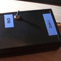 Construir un inyector de señal.